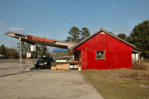 offerman ga roadside store restaurant photograph copyright brian brown vanishing south georgia usa 2011