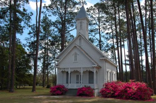 the old ruskin church ware county ga landmark photograph copyright brian brown vanishing south georgia usa 2011