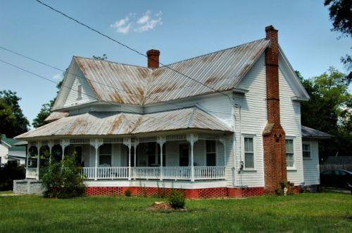 reidsville ga folk victorian queen anne house photograph copyright brian brown vanishing south georgia usa 2011