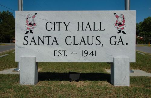 santa claus ga city hall sign photograph copyright brian brown vanishing south georgia usa 2011
