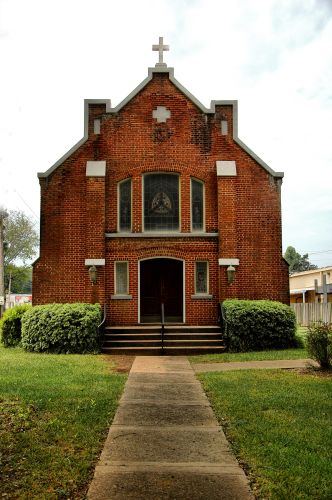 blakely ga historic holy trinity episcopal church photograph copyright brian brown vanishing south georgia usa 2010
