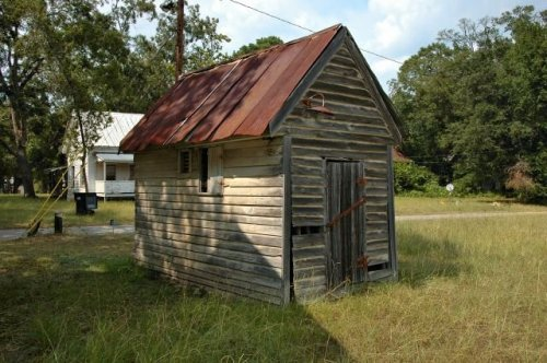 coleman-ga-old-jail-building-photograph-copyright-brian-brown-vanishing-south-georgia-usa-2011