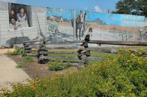 colquitt-ga-neighbors-mural-photograph-copyright-brian-brown-vanishing-south-georgia-usa-2011