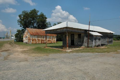 colquitt-ga-store-warehouses-photograph-copyright-brian-brown-vanishing-south-georgia-usa-2011
