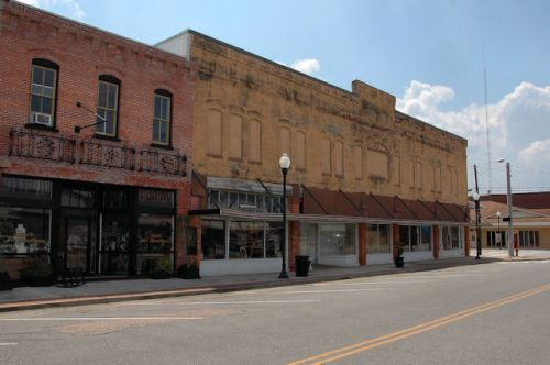 doinalsonville-ga-historic-storefronts-photograph-copyright-brian-brown-vanishing-south-georgia-usa-2011