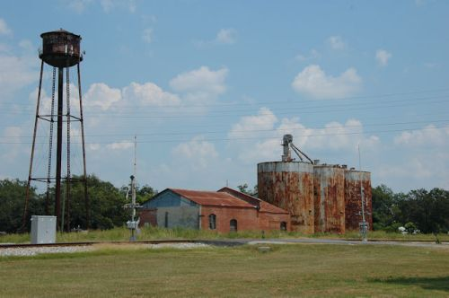 donalsonville-ga-water-tower-silos-photograph-copyright-brian-brown-vanishing-south-georgia-usa-2011