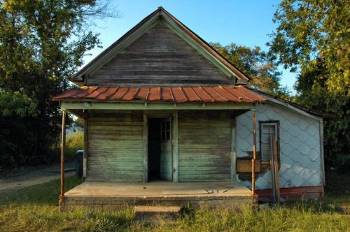 fitzgerald-ga-lost-shotgun-house-photograph-copyright-brian-brown-vanishing-south-georgia-usa-2011