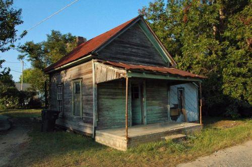 fitzgerald-ga-shotgun-house-photograph-copyright-brian-brown-vanishing-south-georgia-usa-2011