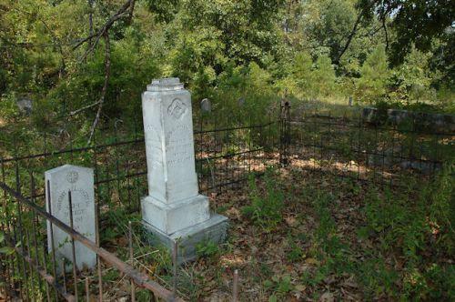 historic-providence-methodist-cemetery-yelverton-family-plot-photograph-copyright-brian-brown-vanishing-south-georgia-usa-2011
