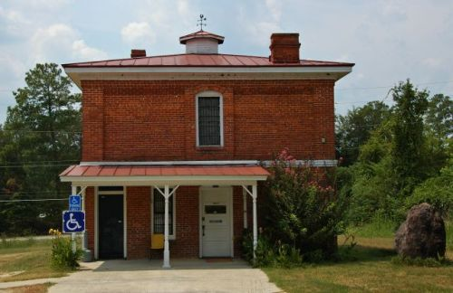 historic-quitman-county-jail-georgetown-ga-photograph-copyright-brian-brown-vanishing-south-georgia-usa-2011