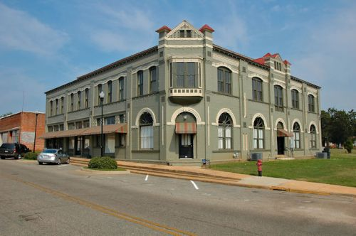 historic-richland-hotel-bank-photograph-copyright-brian-brown-vanishing-south-georgia-usa-2011