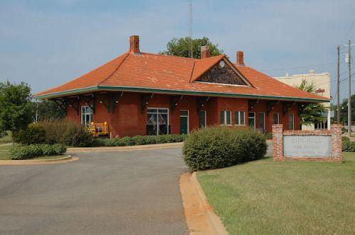 historic-union-station-richland-ga-photograph-copyright-brian-brown-vanishing-south-georgia-usa-2011