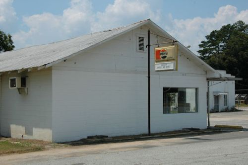 iron-city-ga-grocery-market-photograph-copyright-brian-brown-vanishing-south-georgia-usa-2011