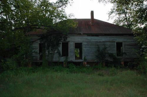 lester-ga-hay-house-photograph-copyright-brian-brown-vanishing-south-georgia-usa-2011