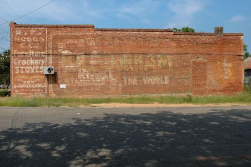 lumpkin-ga-bull-durham-tobacco-ghost-mural-photograph-copyright-brian-brown-vanishing-south-georgia-usa-2011