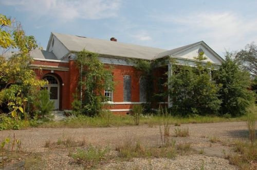 old-lumpkin-high-school-stewart-county-ga-photograph-copyright-brian-brown-vanishing-south-georgia-usa-2011