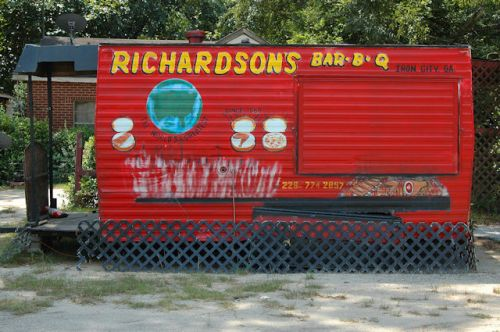 richardsons-barbeque-iron-city-ga-photograph-copyright-brian-brown-vanishing-south-georgia-usa-2011