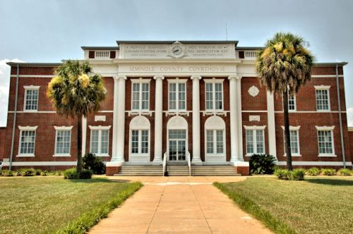 seminole-county-courthouse-donalsonville-ga-photograph-copyright-brian-brown-vanishing-south-georgia-usa-2011