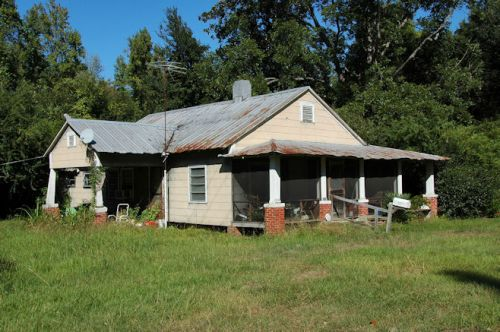 ellabell-ga-gable-front-house-photograph-copyright-brian-brown-vanishing-south-georgia-usa-2011