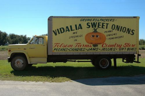 folsom-farms-vidalia-onion-truck-photograph-copyright-brian-brown-vanishing-south-georgia-usa-2011