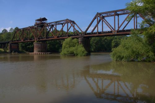 lumber-city-ga-railroa-trestle-swing-bridge-phoitograph-copyright-brian-brown-vanishing-south-georgia-usa-2011