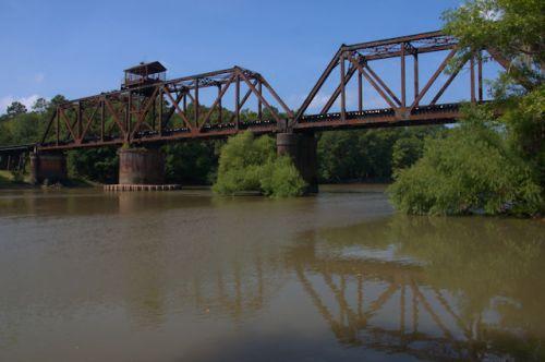 lumber-city-ga-railroa-trestle-swing-bridge-phoitograph-copyright-brian-brown-vanishing-south-georgia-usa-2011