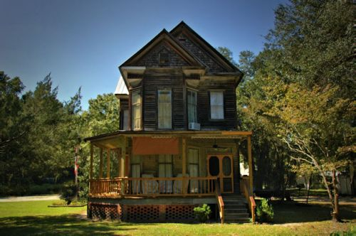 meldrim-ga-folk-victorian-house-photograph-copyright-briann-brown-vanishing-south-georgia-usa-2011