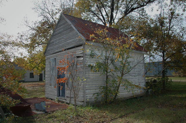 elko-ga-unidentified-commercial-building-photograph-copyright-brian-brown-vanishing-south-georgia-usa-2011