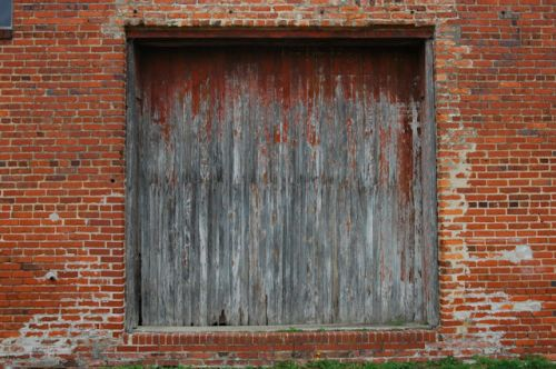 warwick-ga-aultman-spooner-warehouse-freight-door-photograph-copyright-brian-brown-vanishing-south-georgia-usa-2011