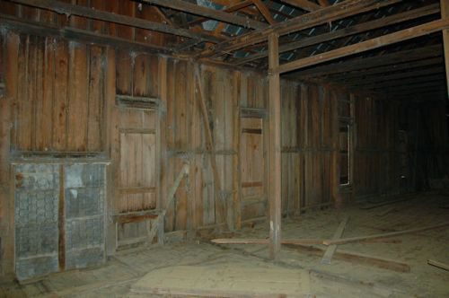 tattnall-county-ga-vernacular-farmhouse-interior-photograph-copyright-brian-brown-vanishing-south-georgia-usa-2011