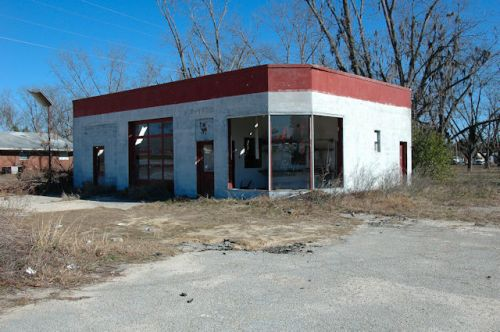 cooperville-ga-abandoned-service-station-photograph-copyright-brian-brown-vanishing-south-georgia-usa-2012