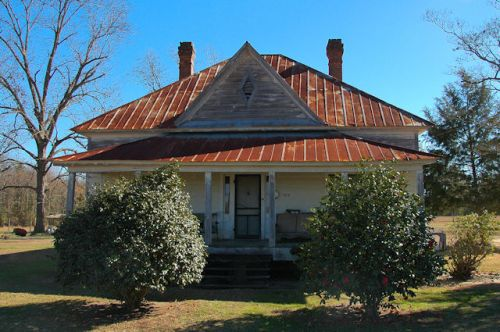 dover-ga-hip-roof-farmhouse-photograph-copyright-brian-brown-vanishing-south-georgia-usa-2012