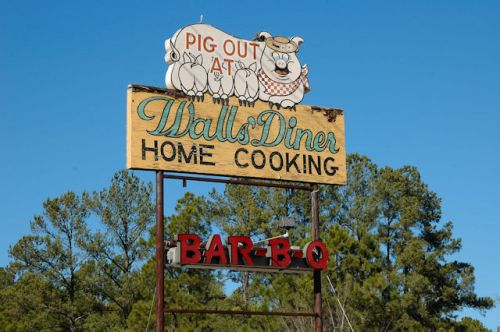 walls-diner-sign-sylvania-ga-photograph-copyright-brian-brown-vanishing-south-georgia-usa-2012