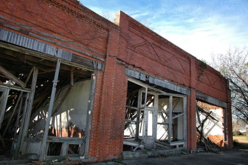 barney-ga-bleases-store-ruins-photograph-copyright-brian-brown-vanishing-south-georgia-usa-2012