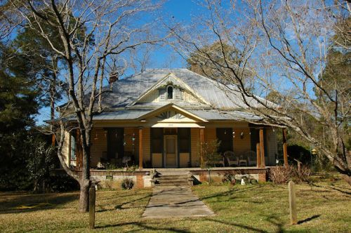 boston-ga-hip-roof-victorian-house-photograph-copyright-brian-brown-vanishing-south-georgia-usa-2012