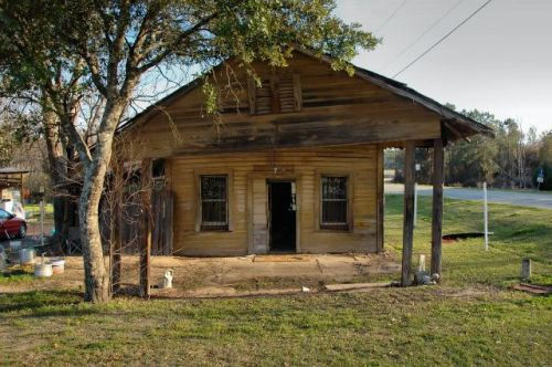 crosland ga dewey halls store photograph copyright brian brown vanishing south georgia usa 2016