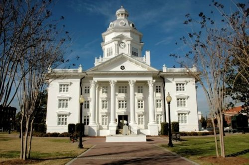 historic colquitt county courthouse moultrie ga photogrpah copyright brian brown vanishing south georgia usa 2012