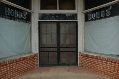 pavo-ga-hobbs-drapery-furniture-shop-photograph-copyright-brian-brown-vanishing-south-georgia-usa-2012