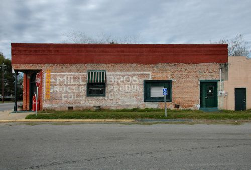 pavo-ga-miller-brothers-grocery-mural-photograph-copyright-brian-brown-vanishing-south-georgia-usa-2012