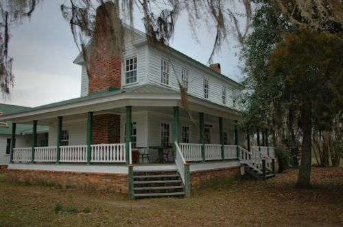 red-earth-farm-altamaha-ga-pearson-house-photograph-copyright-brian-brown-vanishing-south-georgia-usa-2012