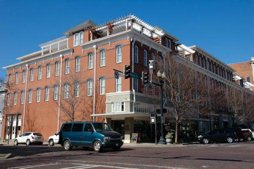 thomasville-ga-historic-mitchell-house-hotel-photograph-copyright-brian-brown-vanishing-south-georgia-usa-2012