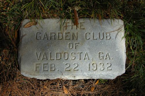 valdosta-ga-the-crescent-garden-club-photograph-copyright-brian-brown-vanishing-south-georgia-usa-2012