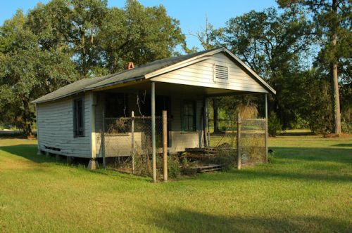 clyattville-ga-unidentified-ccommercial-buildling-photograph-copyright-brian-brown-vanishing-south-georgia-usa-2012
