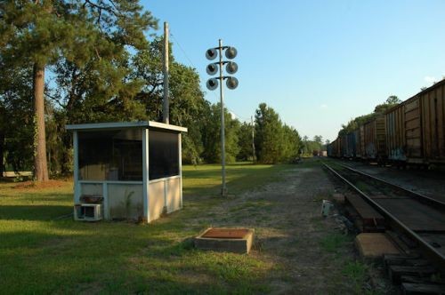 clyattville-ga-valdosta-railway-scale-house-photograph-copyright-brian-brown-vanishing-south-georgia-usa-2012