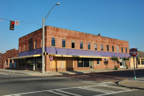 fitzgerald-ga-commercial-block-photograph-copyright-brian-brown-vanishing-south-georgia-usa-2012
