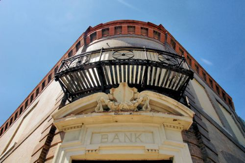 fitzgerald-ga-first-national-bank-exterior-detail-photograph-copyright-brian-brown-vanishing-south-georgia-usa-2012