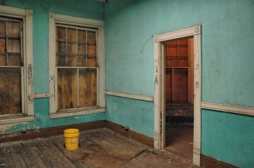 fitzgerald-ga-holtzendorf-office-photograph-copyright-brian-brown-vanishing-south-georgia-usa-2012