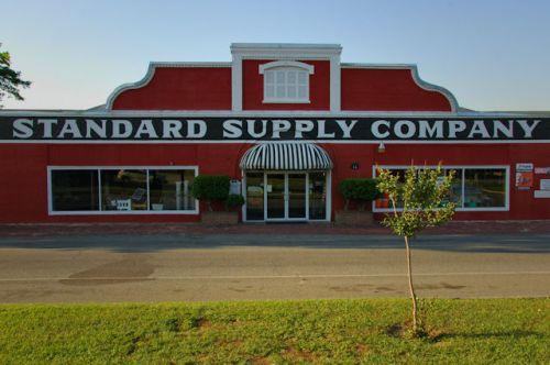 fitzgerald-ga-standard-supply-company-photograph-copyright-brian-brown-vanishing-south-georgia-usa-2012