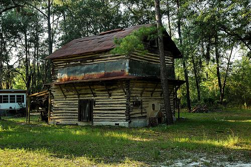 Log Tobacco Barn, Lowndes County   Vanishing South Georgia
