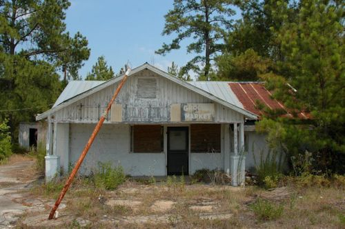 stockton-ga-conines-store-photograph-copyright-brian-brown-vanishing-south-georgia-usa-2012